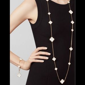 16 Various Sizes Mother of Pearl Clovers Necklace
